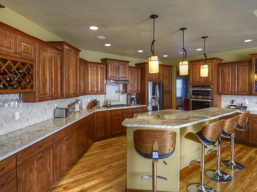 kincade-residence-kitchen